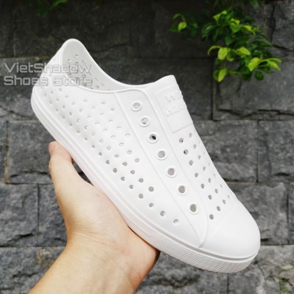 Giày nhựa WNC NATlVE - Chất liệu EVA siêu nhẹ không thấm nước - Màu (Trắng) giá rẻ