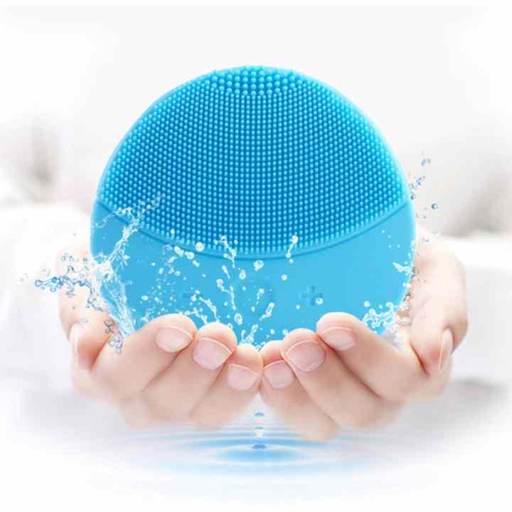 Máy massage rửa mặt silicon chất lượng tốt + Tặng Kèm 1 thẻ Giá tot 360