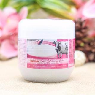 Muối tắm chiết xuất từ sữa bò và sữa chua Carebeau Thái Lan 700g thumbnail