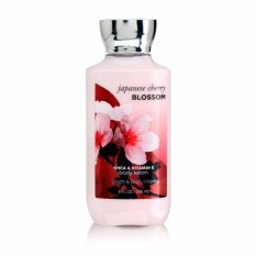 Sữa dưỡng thể toàn thân Bath And Body Works Japanese Cherry Blossom 236ml