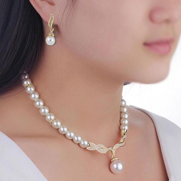 Bộ trang sức vòng cổ, hoa tai nữ