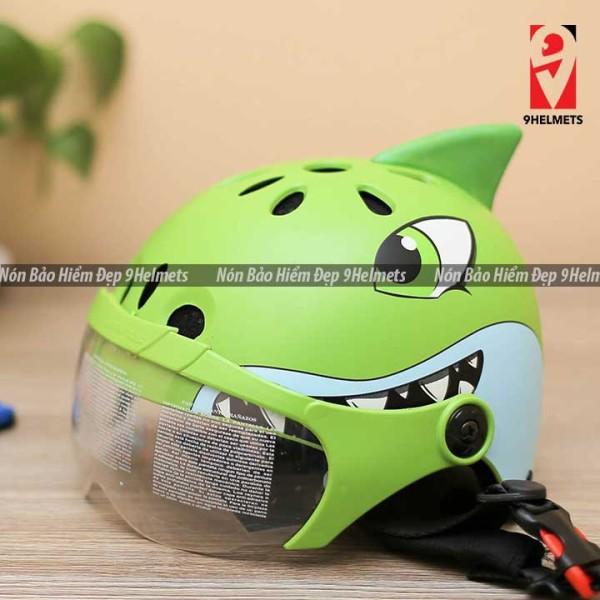 Giá bán [HCM]Mũ Bảo Hiểm Trẻ Em Có Kính Hình Cá Mập Xanh Lá