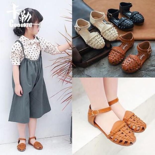 Giày sandal bé gái, sản phẩm đang được săn đón, chất lượng đảm bảo và cam kết hàng đúng như mô tả giá rẻ