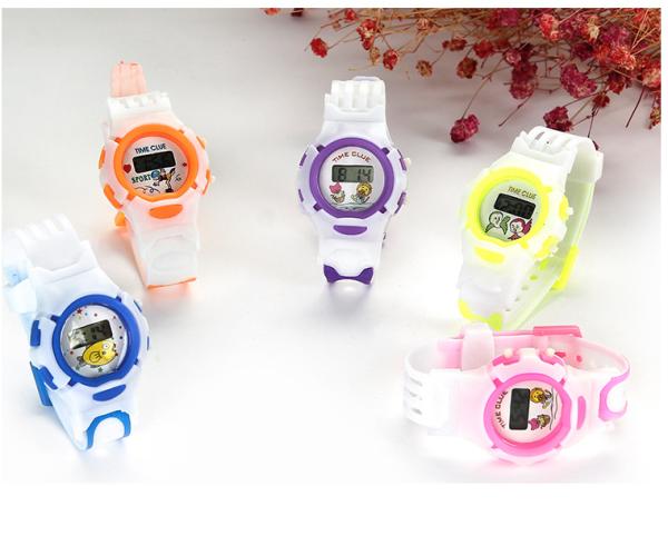 (Giao màu ngẫu nhiên) Đồng hồ điện tử trẻ em C400 dây nhựa dẻo đủ 5 màu