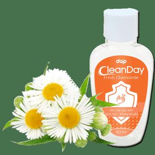[HCM]Nước rửa tay Gel rửa tay khô Clean Day hương cúc la mã 60ml Dùng để làm sạch da tay kháng khuẩn khử mùi tay hàng ngày thumbnail