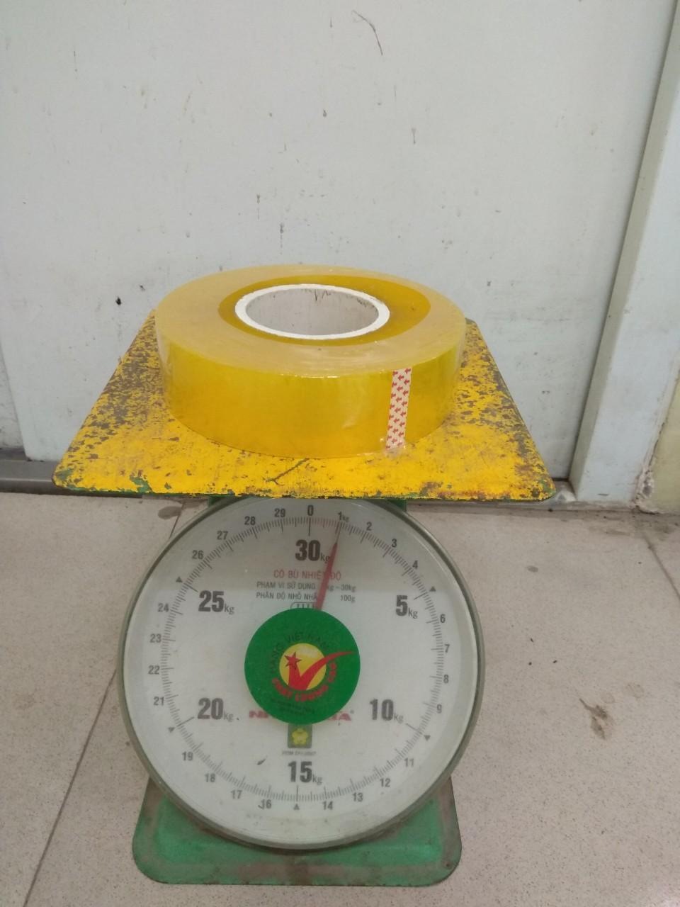 Băng Dính 1kg/ 1 Cuộn Lõi Siêu Mỏng 1cm Ly Giá Sốc (mầu trắng trong và vàng nhạt )