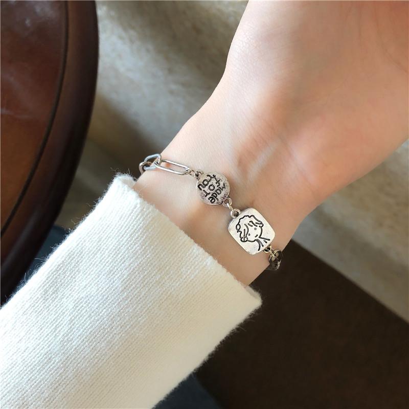 Lắc tay nữ phong cách vintage nhẹ nhàng, đáng yêu