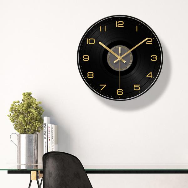 Đồng hồ Treo Tường Họa Tiết Dĩa Nhạc Chữ Số Đen Vàng bán chạy