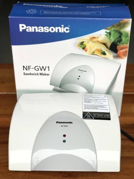 Máy làm bánh hotdog Panasonic NF-GW1, thiết kế tiện dụng, chịu nhiệt bền, cách nhiệt màu sắc trang nhã tinh tế, bảo hành chính hãng 12 tháng