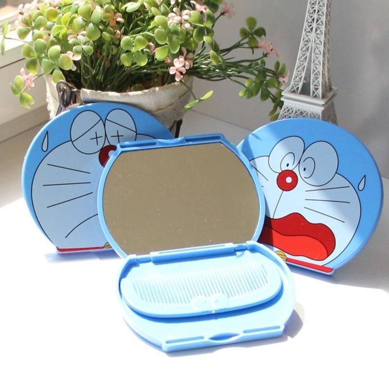 Gương trang điểm Doraemon có tặng lược dụng cụ không thể thiếu của phái đẹp