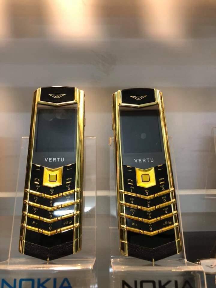 Điện thoại Vertu k7