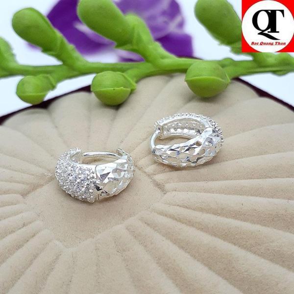 Bông tai nữ bạc thật kiểu khuyên tròn đeo sát tai gắn đá tấm sáng bóng rất thích hợp đeo tại các buổi dạ tiệc , làm quà tặng thương hiệu Bạc Quang Thản - QTBT19(BẠC)