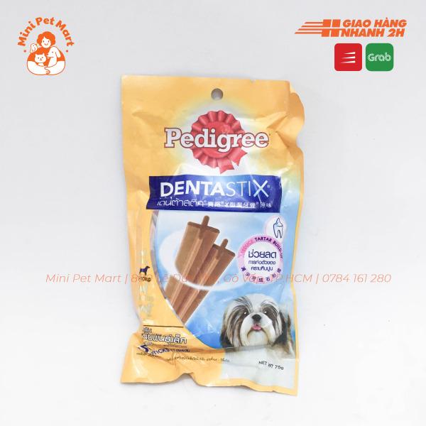 Bánh xương chăm sóc răng PEDIGREE DentaStix cho chó lớn dưới 10kg - gói 4 que