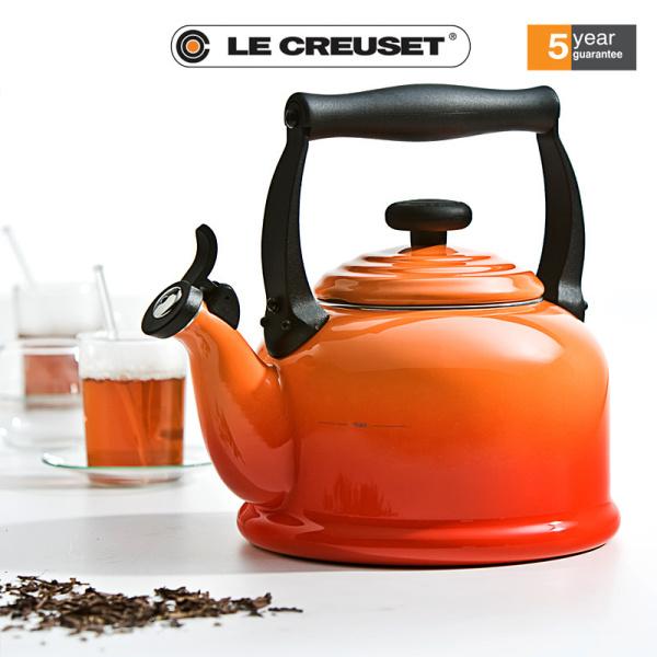 Ấm đun nước trên bếp từ Le Creuset Tradition 2,1L