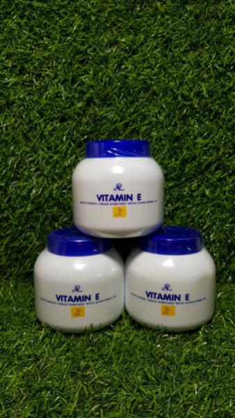 Kem dưỡng ẩm Aron Vitamin E Moisturising Cream 200g
