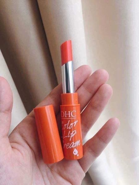 Son Dưỡng Môi DHC Cam Pure Color Lip Cream Stick 1.5g làm môi hồng quyến rũ BÁCH HÓA NHÀ CÀ giá rẻ