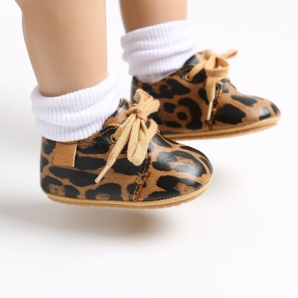 Giày thể thao bata thắt dây da pu mềm đế giày chống trơn trượt sneaker cho bé trai bé gái giá rẻ