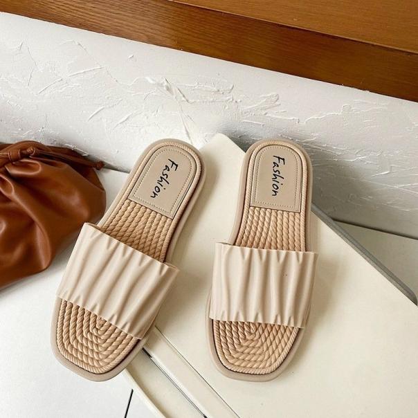giày dép họa tiết cá tính giá rẻ