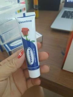 Kem Vaseline ngăn ngừa nứt nẻ da- thành phần vitamin E giúp làm đẹp da thumbnail