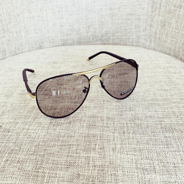 Giá bán Kèm Video - Mắt kính nam nữ đổi màu dùng cho ngày và đêm - Tặng kèm hộp đựng kính và khăn lụa