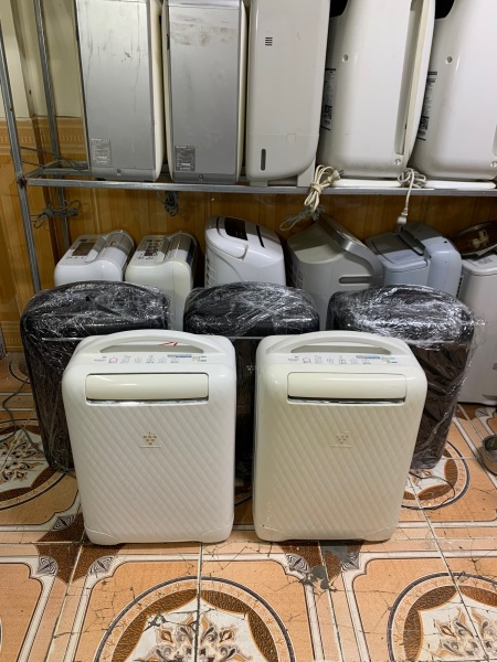 Máy hút ẩm sấy quần áo sharp valy