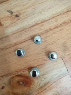 Nút bấm đinh tán quai mũ bảo hiểm (bộ 4 con nút bấm) thumbnail