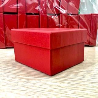 [Lấy mã giảm thêm 30%] Hộp cứng đựng đồng hồ màu đỏ FF2 thumbnail