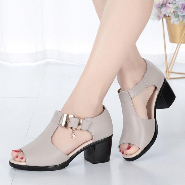 Giày sandal nữ da đẹp , đế êm, phong cách mới SA115 giá rẻ