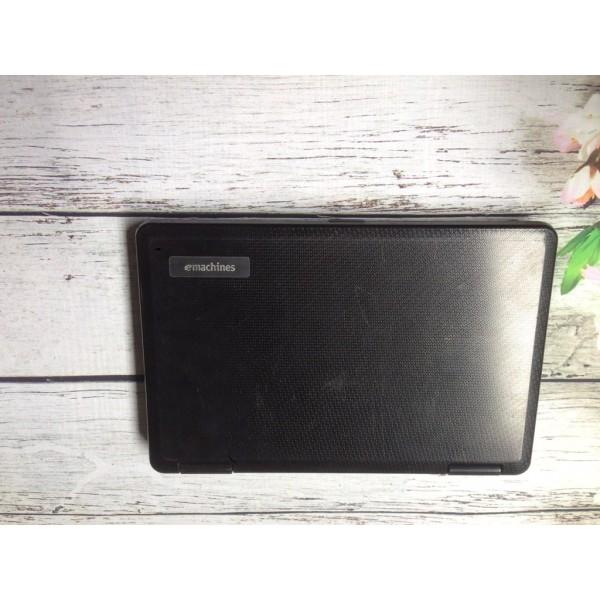 Laptop cũ Emachine D525 / D725 co 2, ram 2gb, ổ 120 hoặc 160gb máy còn nguyên bản.