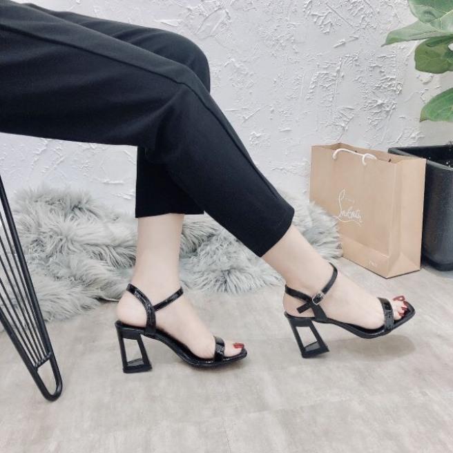 giày sandal nữ,sandal cao gót 7m gót lỗ siêu hot giá rẻ