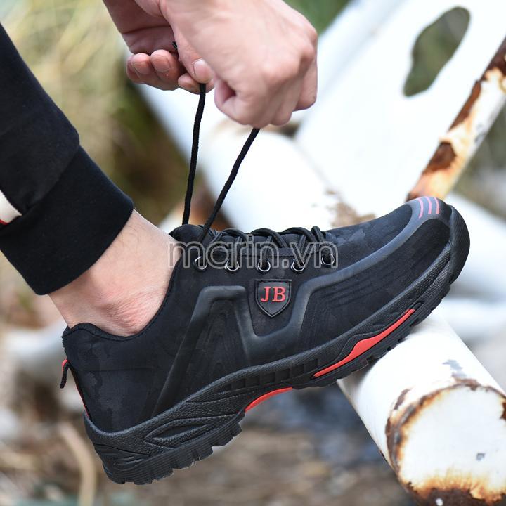 Giày bảo hộ lao động dáng thể thao Jun 539 màu đen viền đỏ