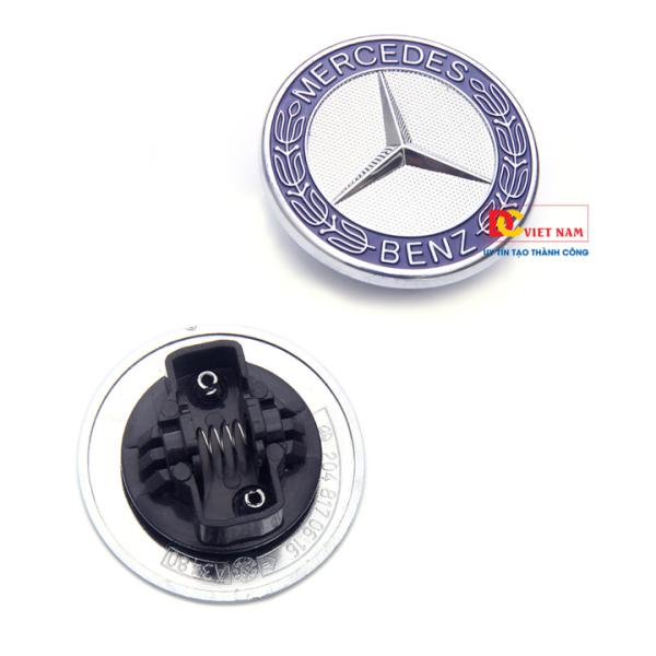 Logo nắp capo đầu xe ô tô Mer.cedes W204 (Màu Xanh)