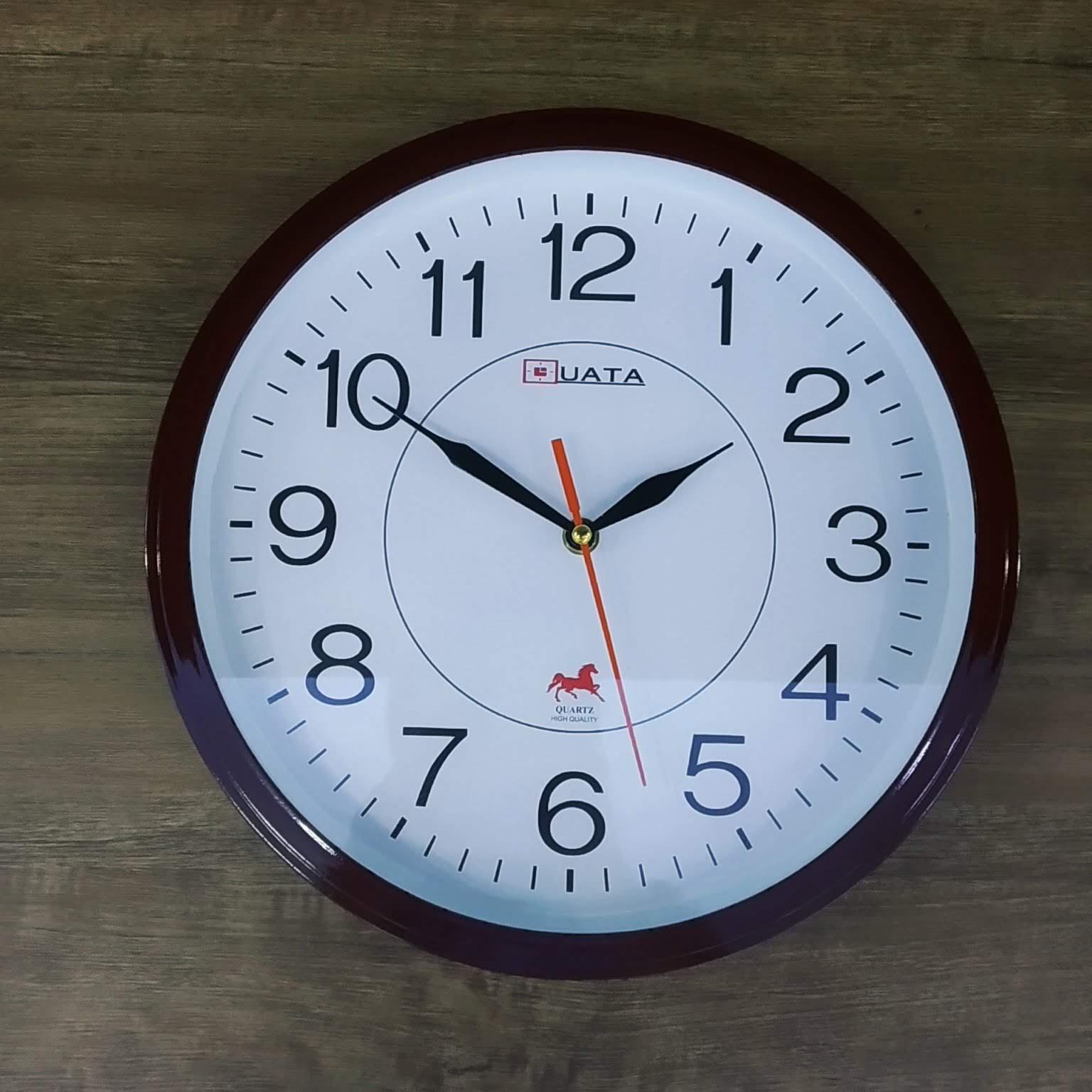 Nơi bán Kim trôi - Đồng hồ treo tường hình tròn viền  nâu - Size 30cm -  Đồng hồ treo tường kim trôi