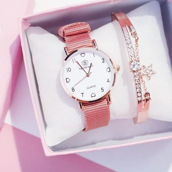 (Tặng kèm hộp và pin) Đồng hồ dây dù thời trang nữ Candycat mặt 4 trái tim