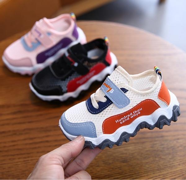 Giày bé trai và bé gái thể thao màu trắng siêu thoáng khí, chống trơn trượt tốt