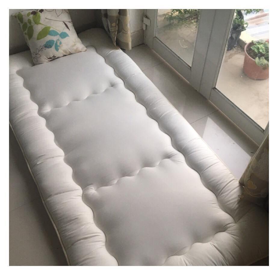 Nệm ngủ đơn bằng gòn siêu dày _ Hàng Xuất khẩu dư ( size 1m*2.1m) màu trắng ( Hình chụp nệm thật )
