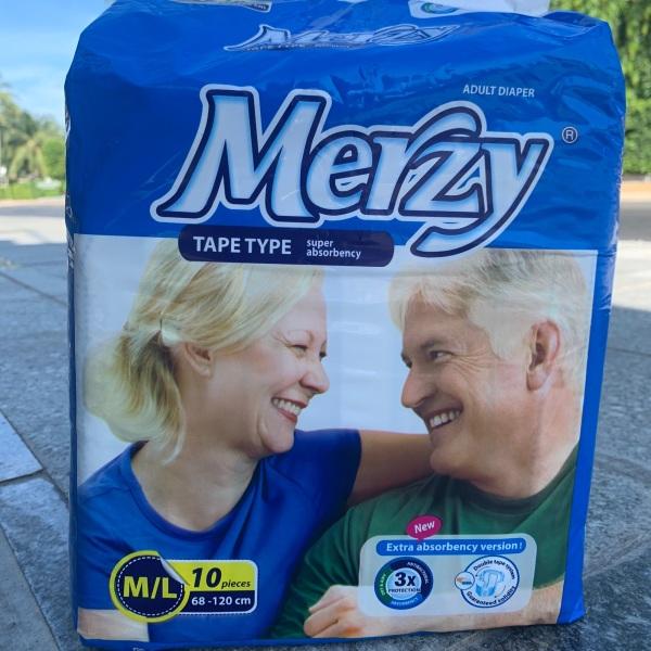 Tả người già Merzy  gói 10 miếng siêu thấm nhập khẩu
