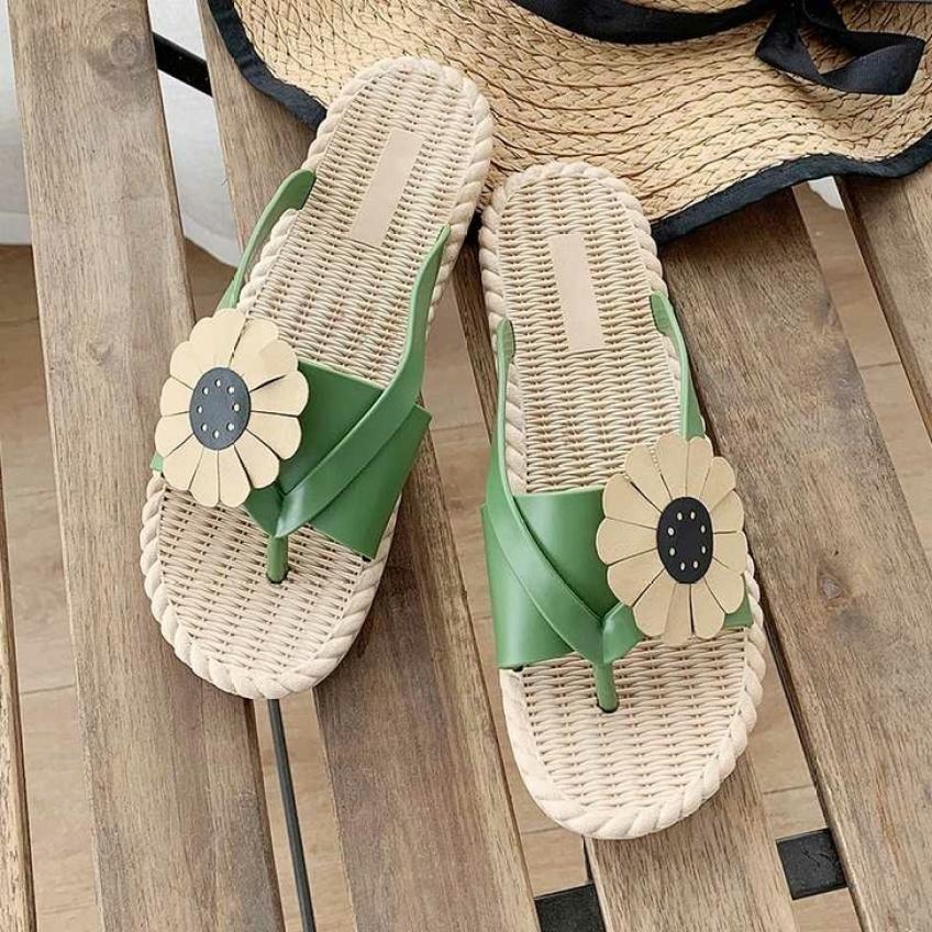 Dép Đính Hoa Cúc Xỏ Ngón Nữ Phong Cách Hàn Quốc Chất liệu cao su mềm mại êm chân, siêu bền giá rẻ