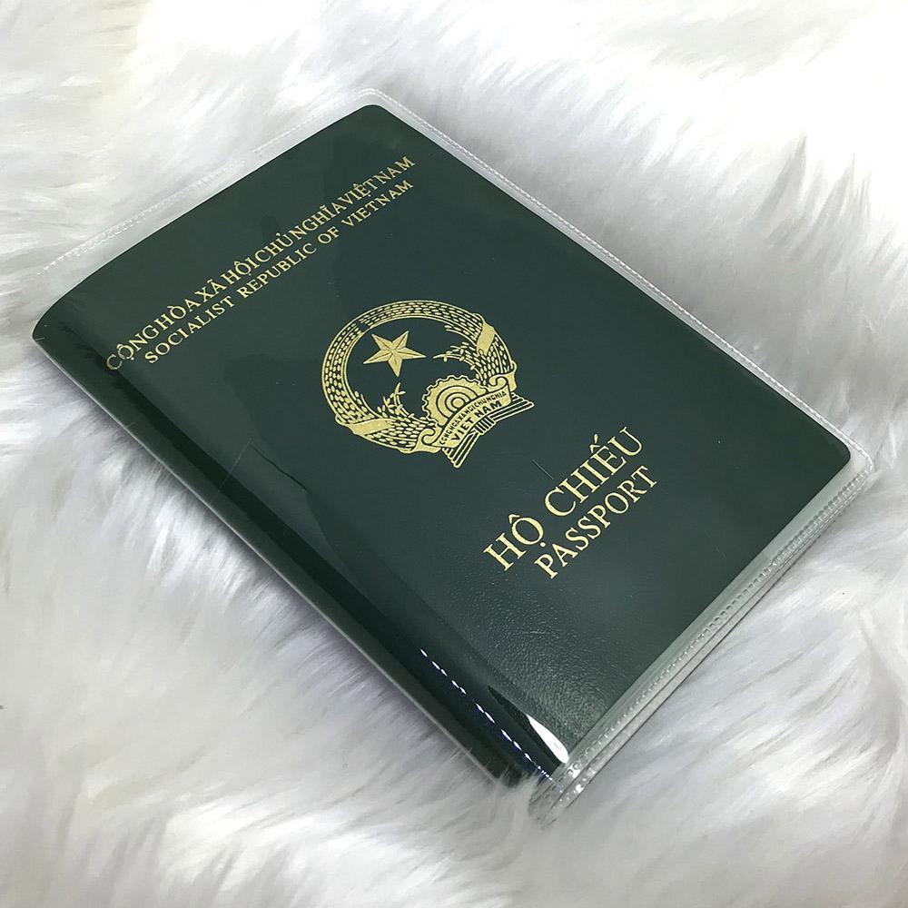 Bao Hộ Chiếu / Passport Trong, Có Khe đựng Thẻ (Loại 1) Đang Có Ưu Đãi