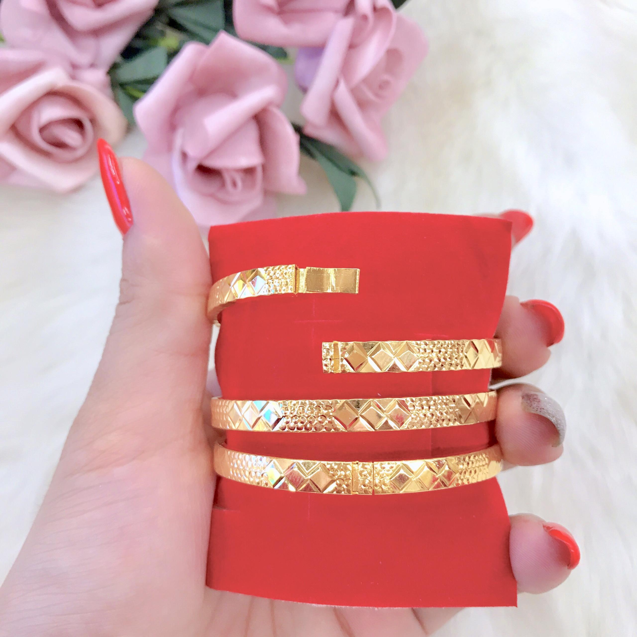 Vòng Tay Ximen 7 Chiếc Khắc Hoa Văn Sáng Như Vàng Thật - 1 Chiếc - ( Cam kết không Đen, Chất Liệu Bạc Pha Hợp Kim Cao Cấp ) - Givishop - V030629 - Dùng Đi Tiệc Và Đi Làm