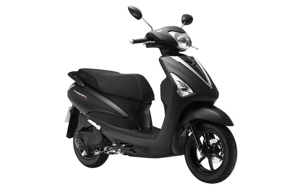 Xe Yamaha Acruzo Deluxe 2019 (Đen Nhám) + Tặng nón bảo hiểm, áo mưa, móc khóa xe
