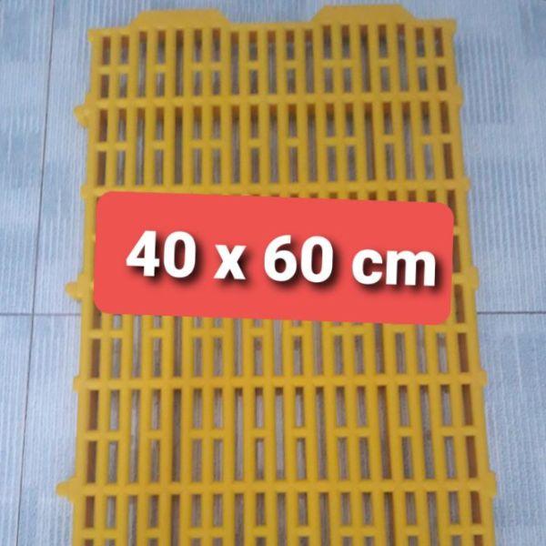 sàn nhựa 40x60cm.  lót sàn cho chó, mèo, heo