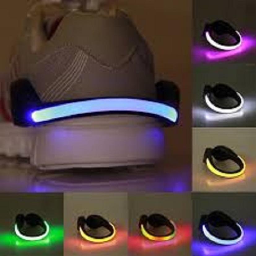 Đèn led gắn giày 2 chế độ ánh sáng, gắn sau đế giày cực đẹp, độc lạ, thú vị giá rẻ