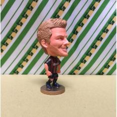 Hình ảnh Mô hình tượng cầu thủ bóng đá Beckham (AC Milan)