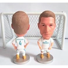 Hình ảnh Mô hình tượng cầu thủ bóng đá Ramos (Real Madrid)