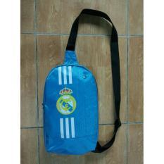 Hình ảnh Túi thể thao đeo chéo vai Real Madrid xanh biển