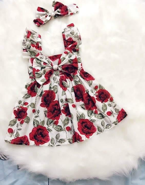 Váy bé gái màu đỏ thiết kế