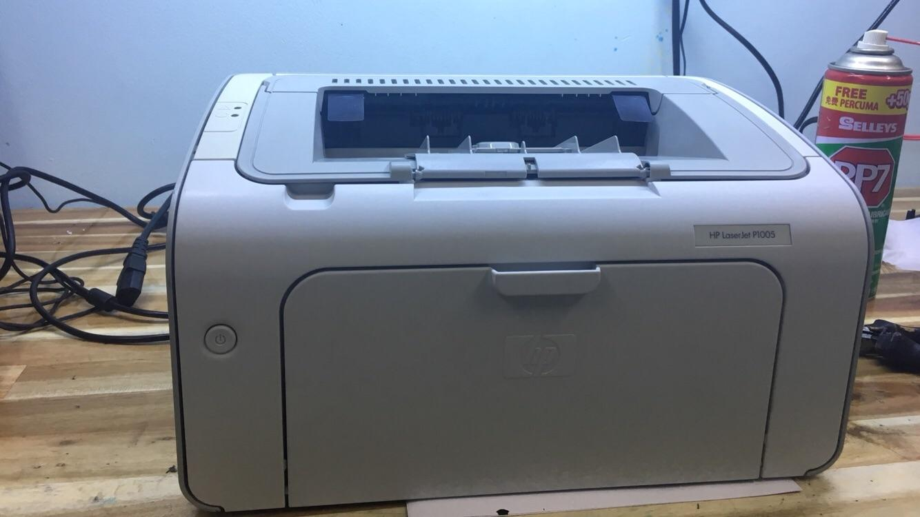 Máy in Máy in HP Laserjet P1005, in hóa đơn, in giáo án, in văn phòng mới 95%