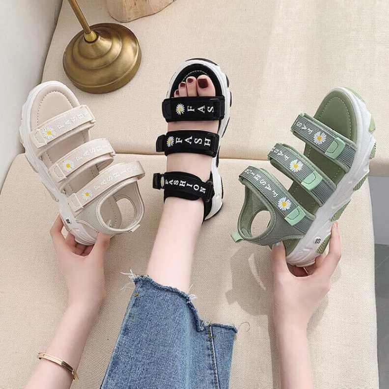 Sandal nữ 3 quai ngang in hình hoa cúc độn đế 4cm siêu hot 2020 giá rẻ