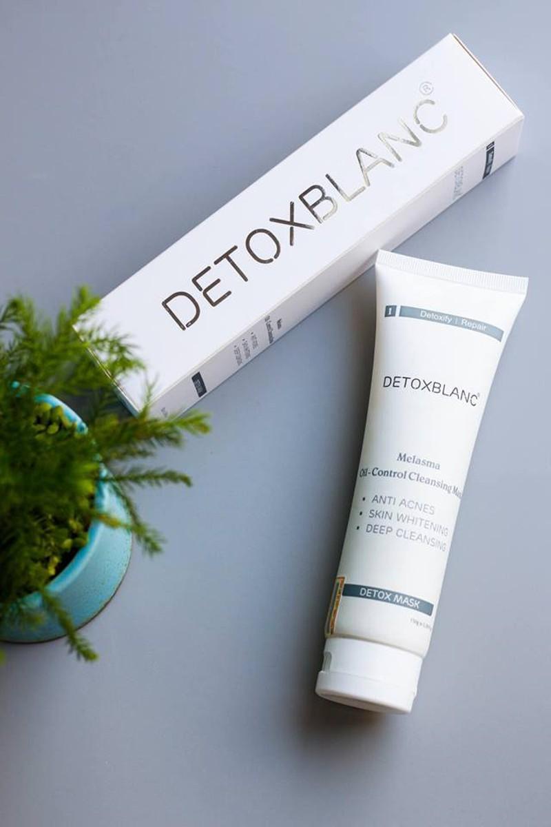 Mặt nạ thải độc trắng da công nghệ than hoạt tính Detox Mask (150g)